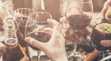 Piwo kontra wino – konflikt czy współpraca?